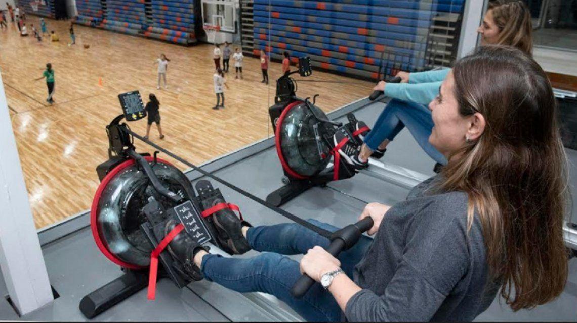 La vista a las canchas desde el gym. El edificio