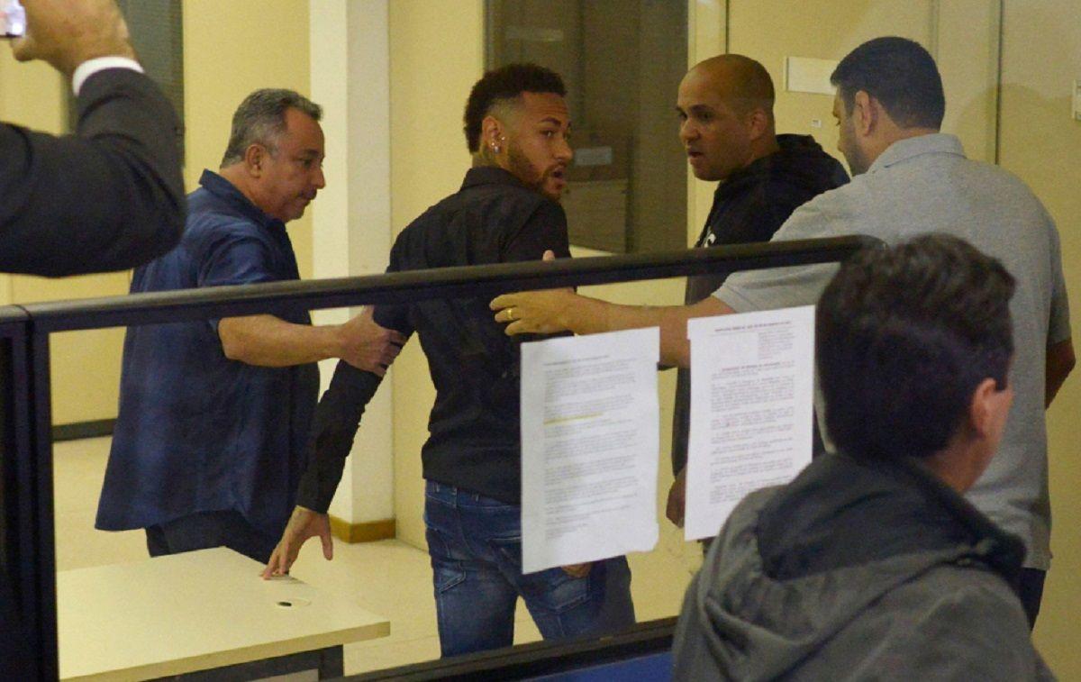 El brasileño declaró ante la Justicia (Foto: diario Sport)
