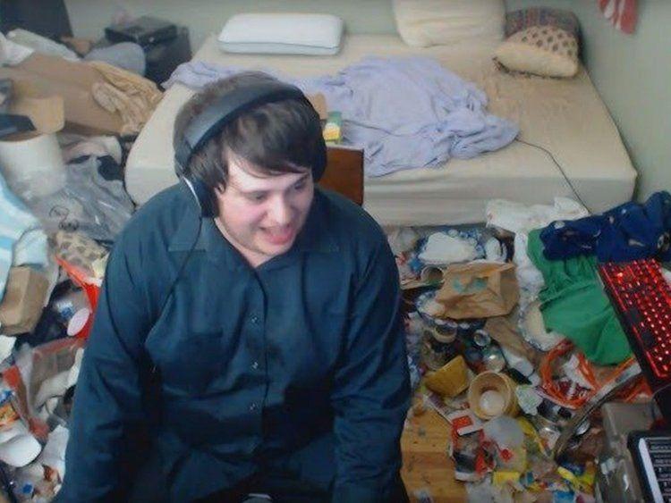 Hace 14 años que no limpia su cuarto y se volvió viral