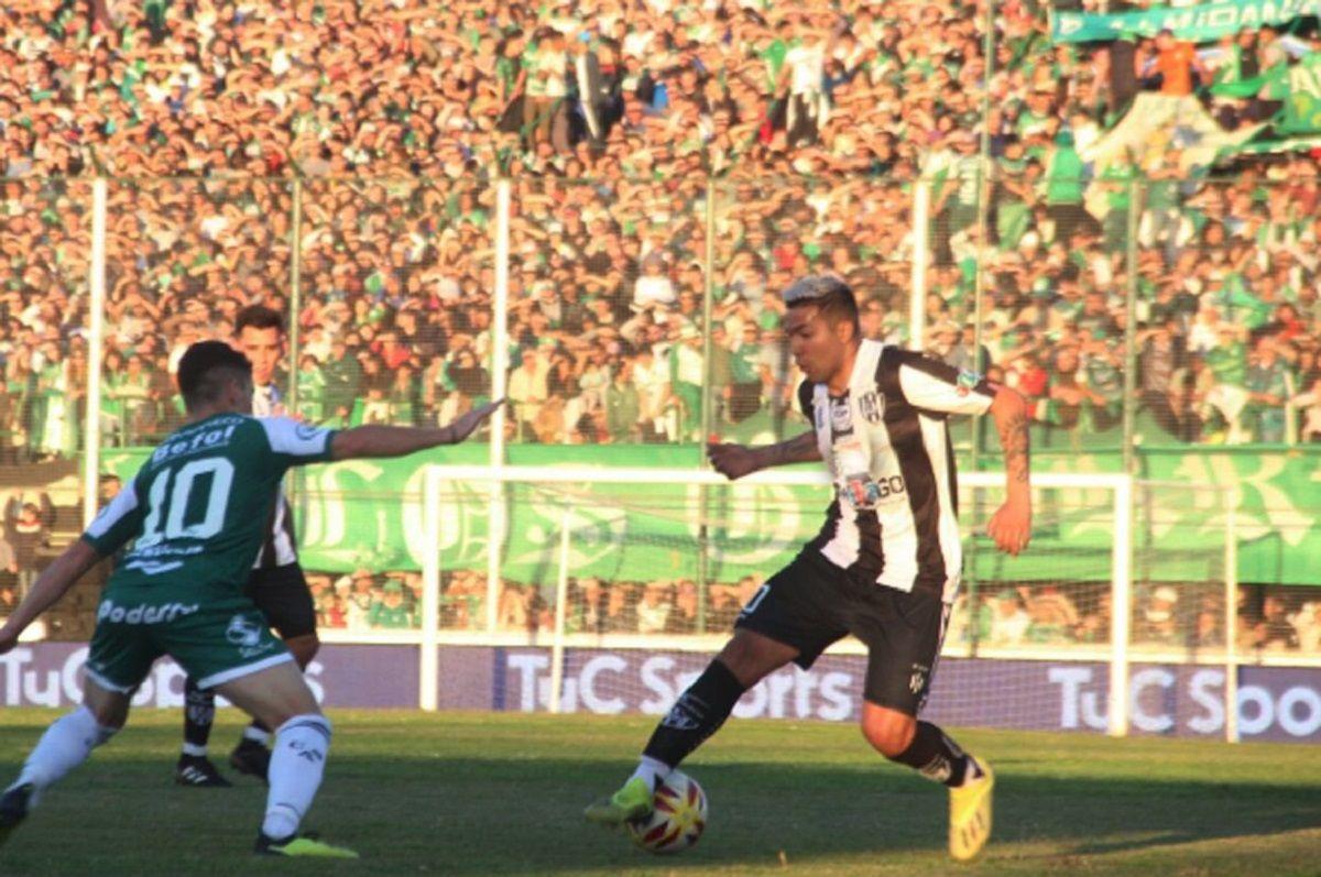 Central Córdoba de Santiago del Estero le ganó por penales a Sarmiento de Junín y ascendió a la Superliga
