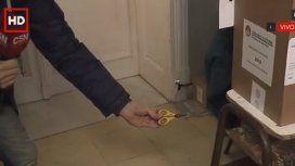 Con tijeras bajo la mesa: así se vota en Paraná