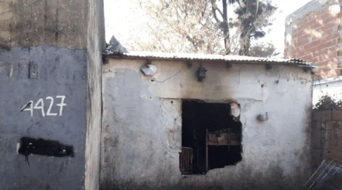 Tragedia en Ituzaingó: tres nenes y su mamá murieron calcinados en voraz incendio