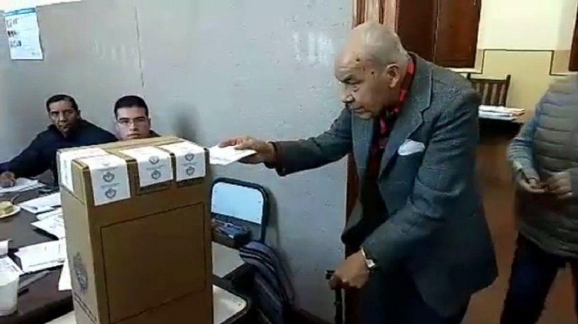 Seguir votando hasta que me muera y largas colas luego de las 18: lo destacado de las elecciones en Jujuy