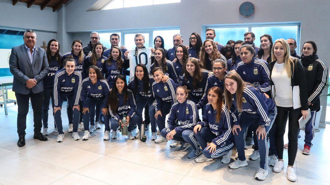 Las chicas fueron visitadas por Mauricio Macri antes de viajar
