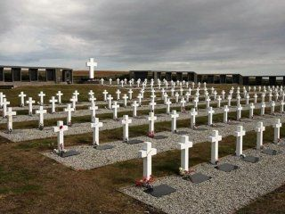 identifican a otro soldado argentino caido en malvinas: ya son 114