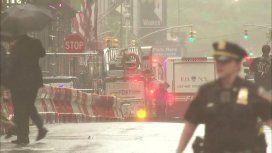 Estados Unidos: un helicóptero se estrelló contra un edificio en el centro de Manhattan y murió una persona
