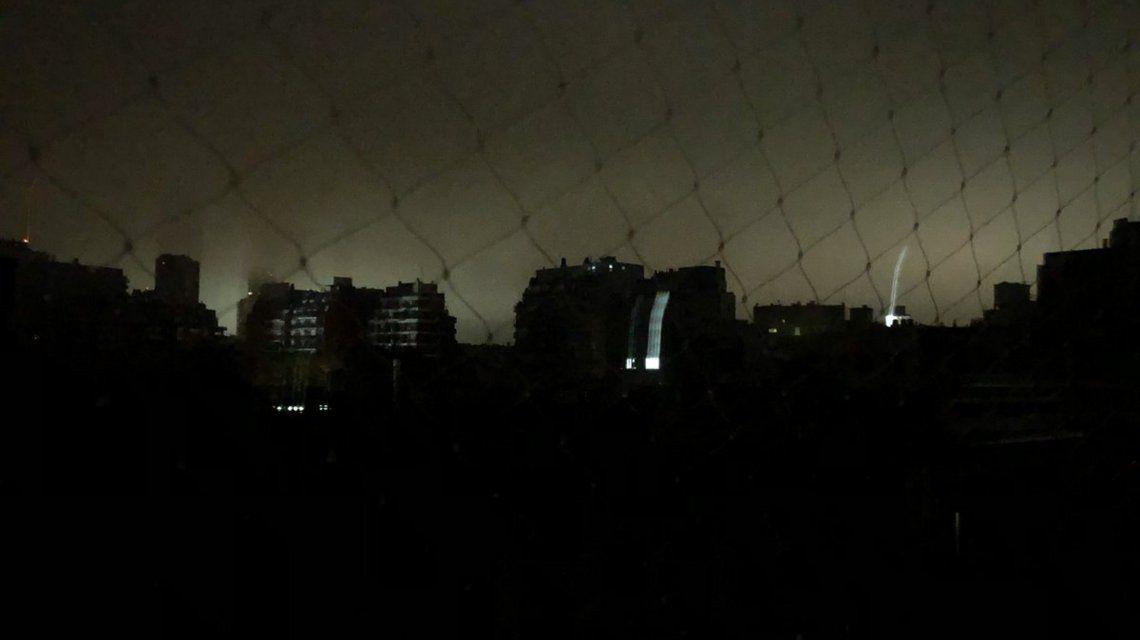 Un apagón dejó a oscuras a gran parte de la Argentina