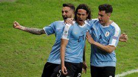 Uruguay le ganó 4 a 0 a Ecuador en su debut