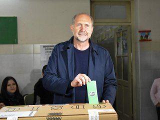 omar perotti gobernador: se impuso ante bonfatti y el peronismo recupero santa fe