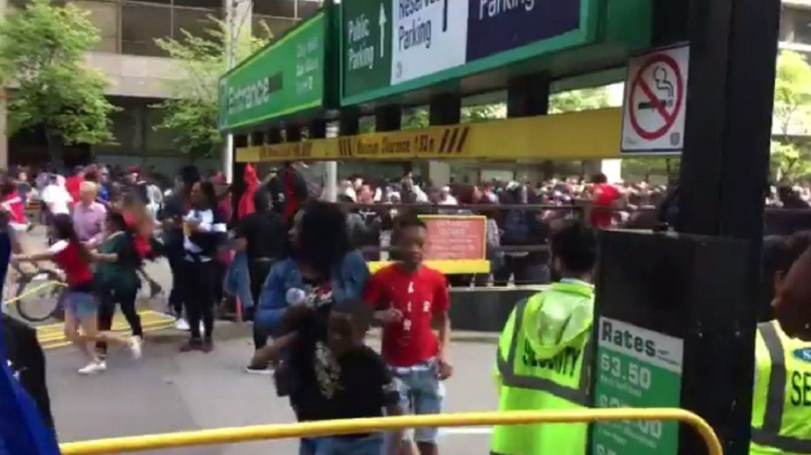 Pánico en el festejo de los Toronto Raptors: dos heridos y dos detenidos