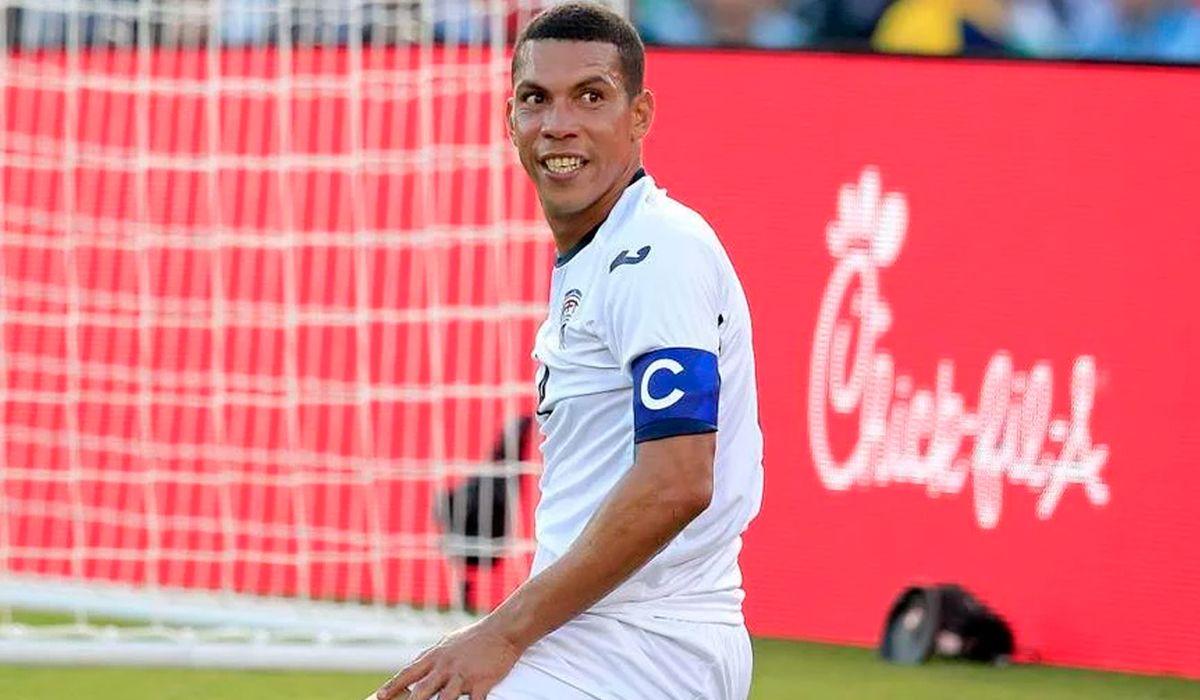 El capitán de la Selección de Cuba, Yasmani López, se escapó en medio de la Copa de Oro