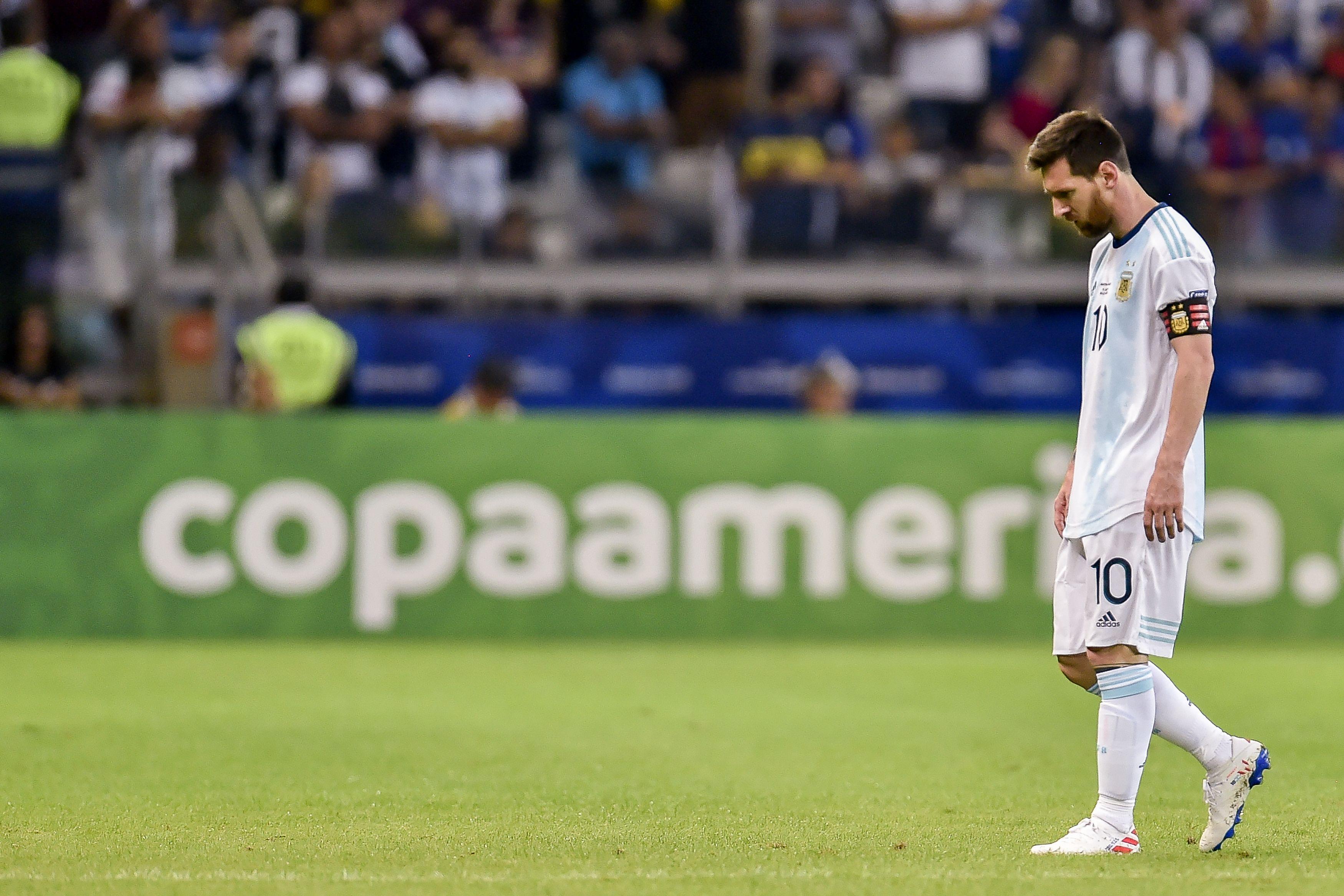 Lionel Messi cabizbajo