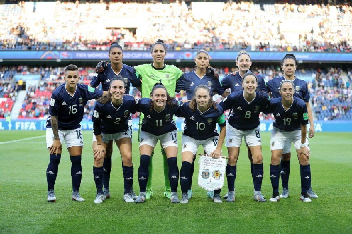 Escándalo en la Selección femenina de fútbol: las referentes apuntaron contra el DT Carlos Borrello