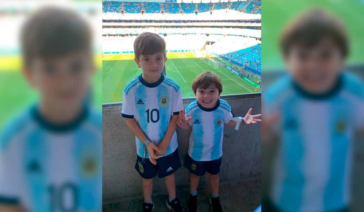 El detalle en una foto de Thiago y Mateo Messi que hizo reír a todos