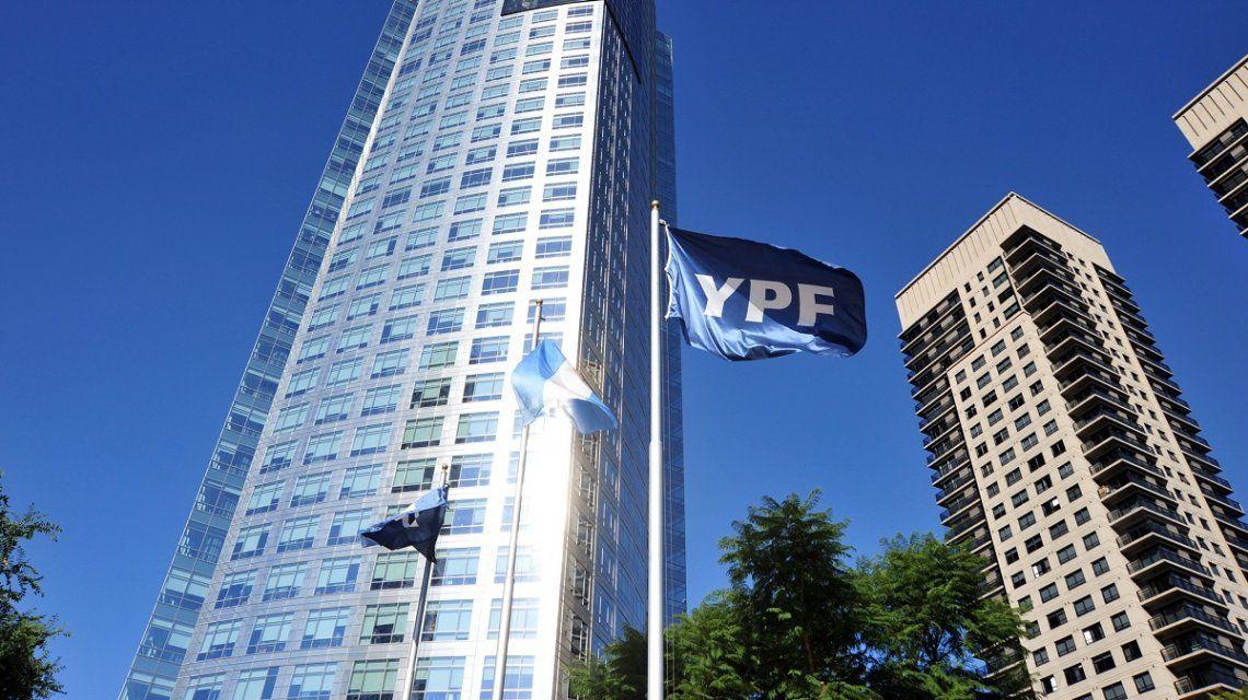 El Gobierno pedirá que la causa por la reestatización de YPF se mude a la Argentina