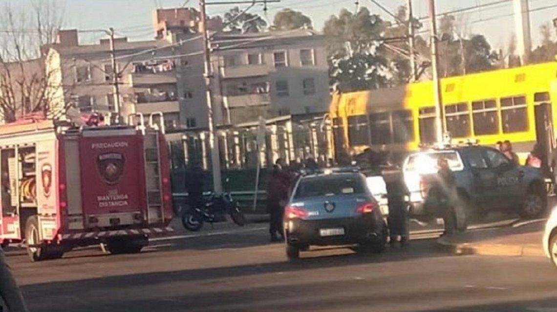 El Premetro atropelló a dos nenes que regresaban de la escuela: uno perdió la pierna y está grave