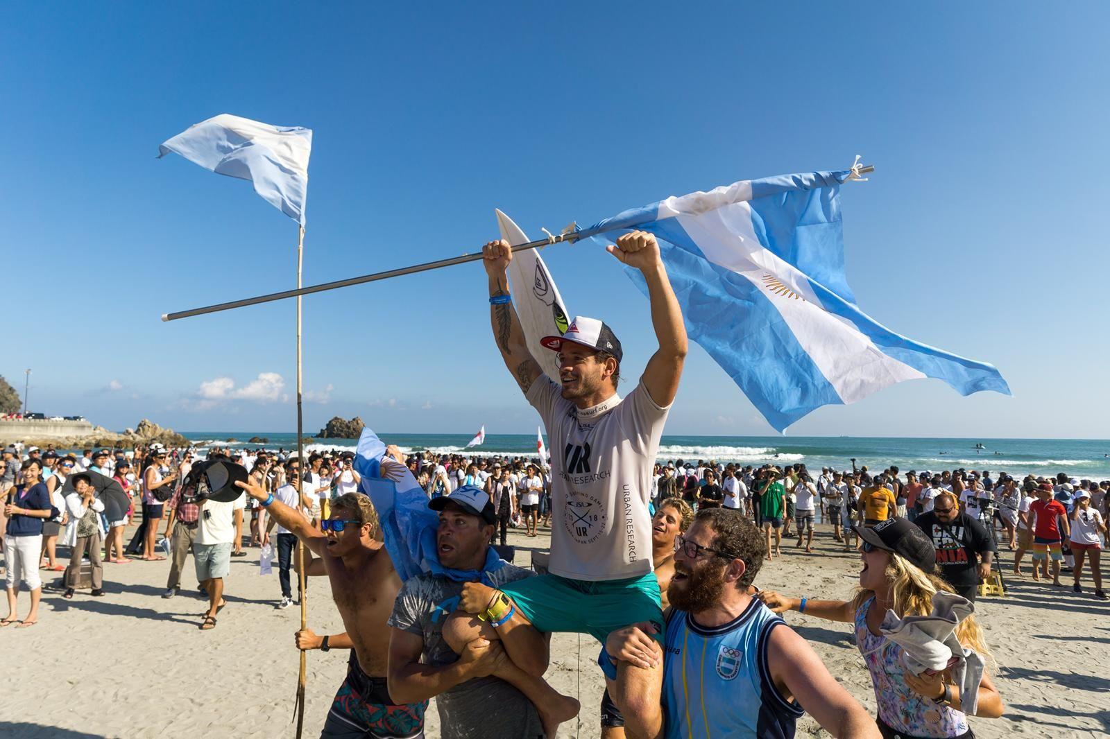 En septiembre fue campeón del Mundial ISA en Japón y consiguió el pasaje a los Panamericanos de Lima