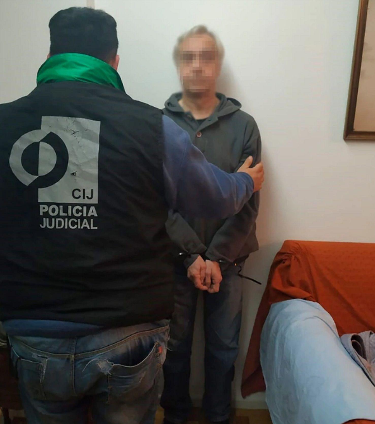 Alberto Rodríguez está acusado de producir y distribuir pornografía infantil.