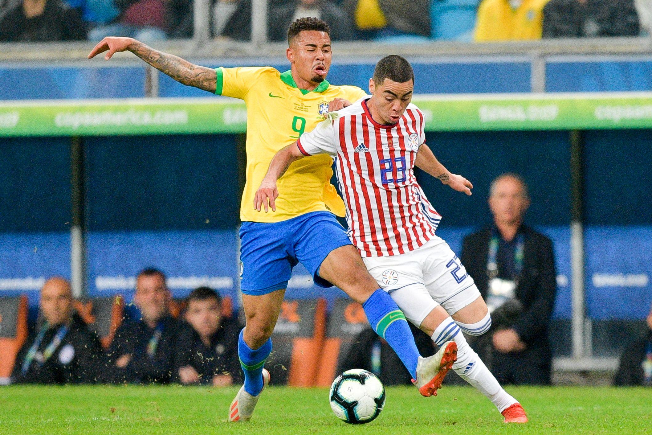 Brasil le ganó por penales a un aguerrido Paraguay y es semifinalista