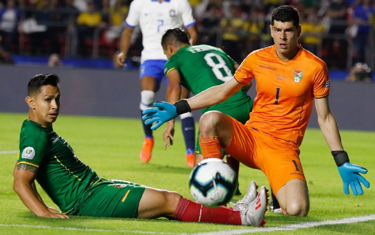 Sancionaron a la Selección de Brasil por insultos homofóbicos contra el boliviano Carlos Lampe
