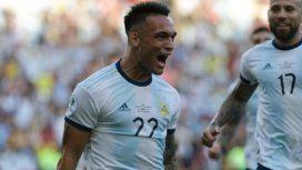 El delantero grita con furia su gol (Foto: @Argentina)