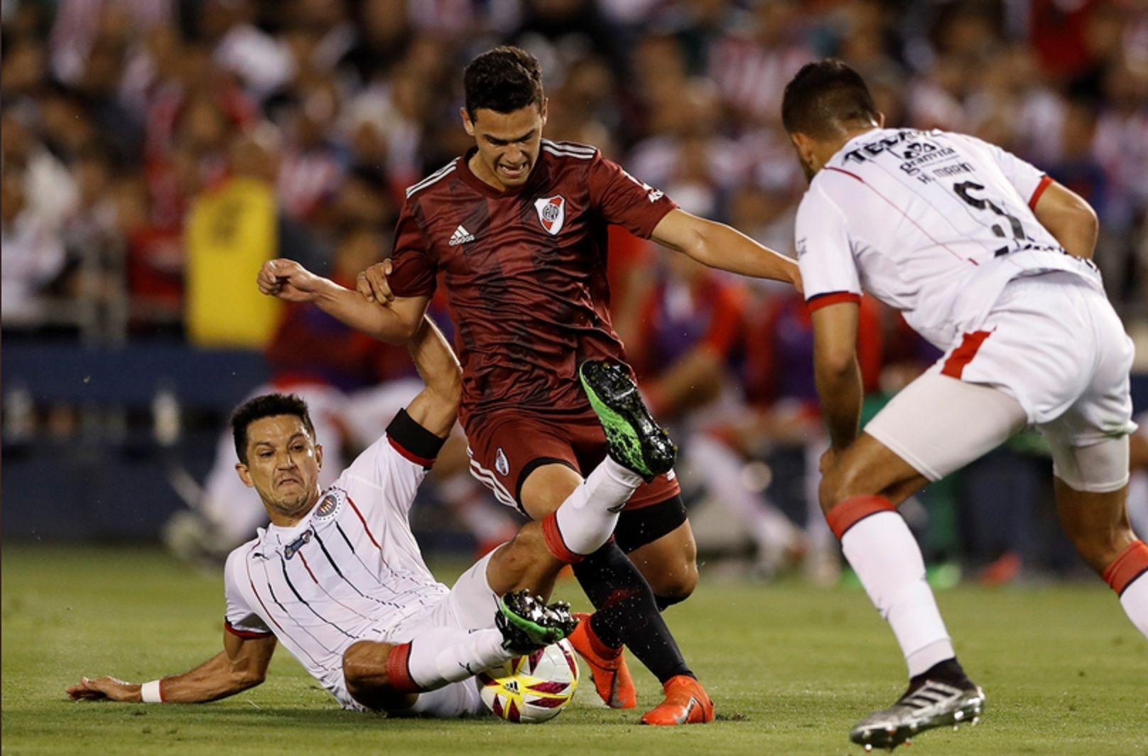 River inició su pretemporada con una goleada por 5-1 frente a Chivas de Guadalajara