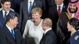 Por primera vez, Merkel habló de sus temblores: Me siento bien