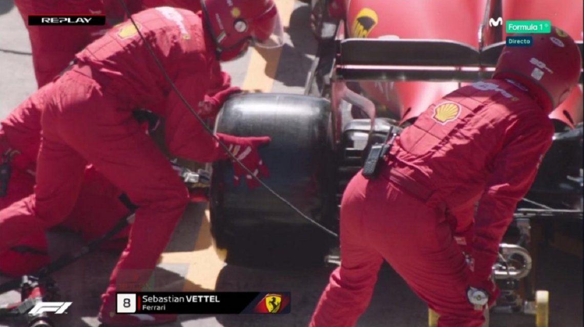 ¡Increíble!: Sebastian Vettel llegó a los boxes y los mecánicos de Ferrari no estaban preparados
