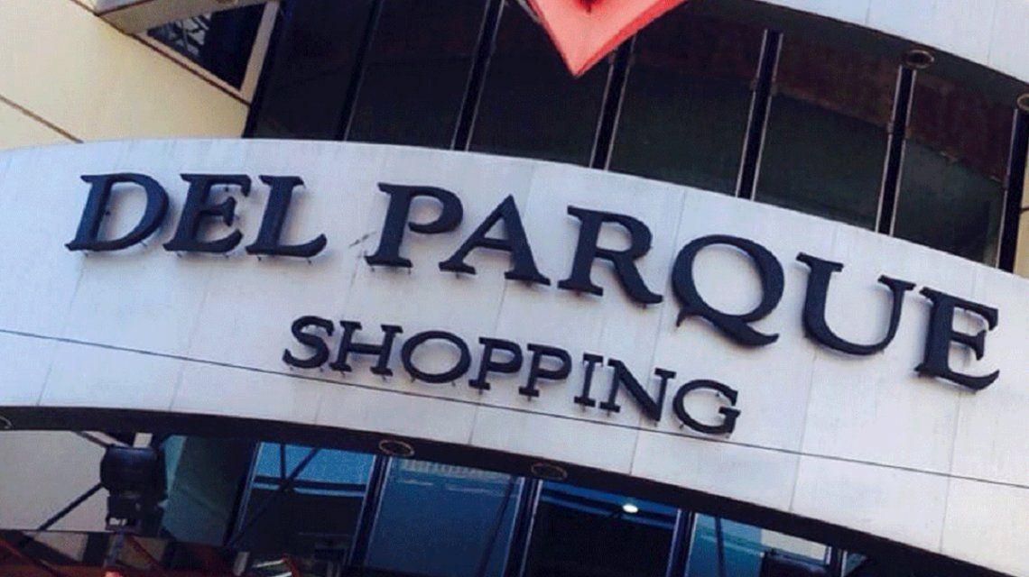 Cerró Del Parque, el primer shopping de la Ciudad que baja sus persianas para siempre