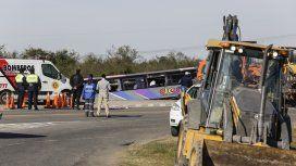 Ascienden a 15 los jubilados muertos en Tucumán por el vuelco del colectivo