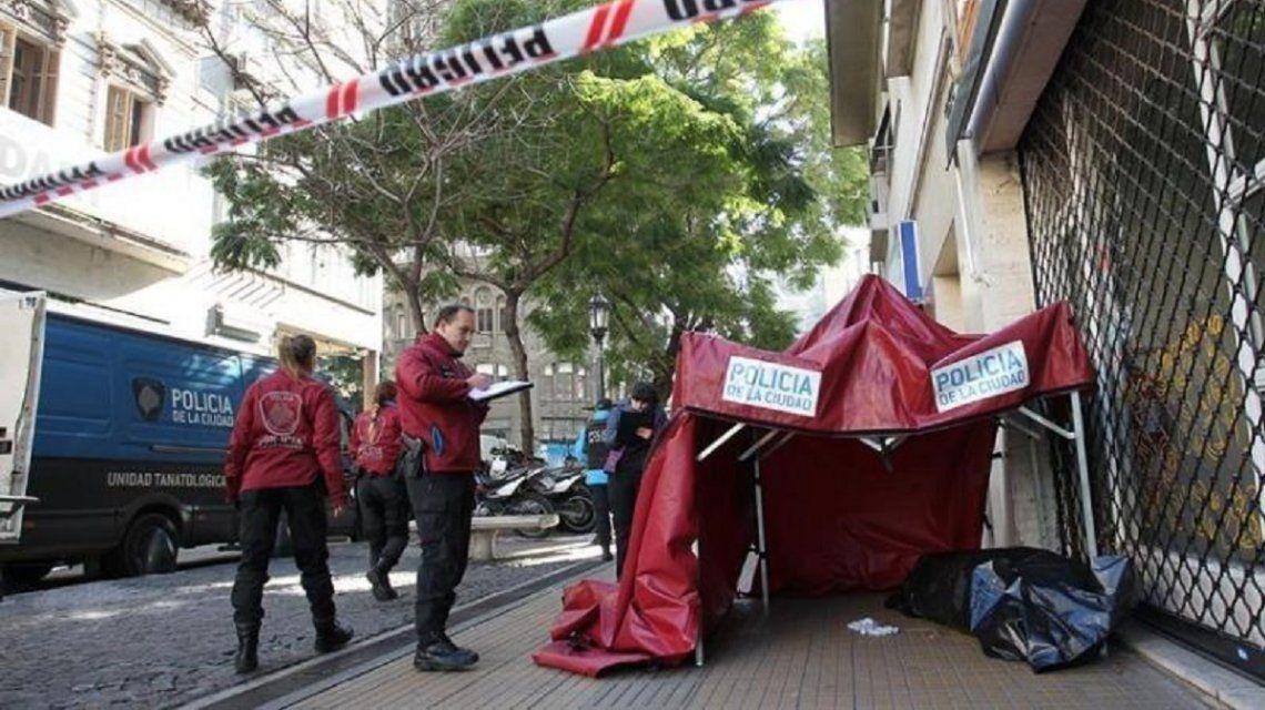 Un hombre en situación de calle murió por el frío a cinco cuadras de la Casa Rosada