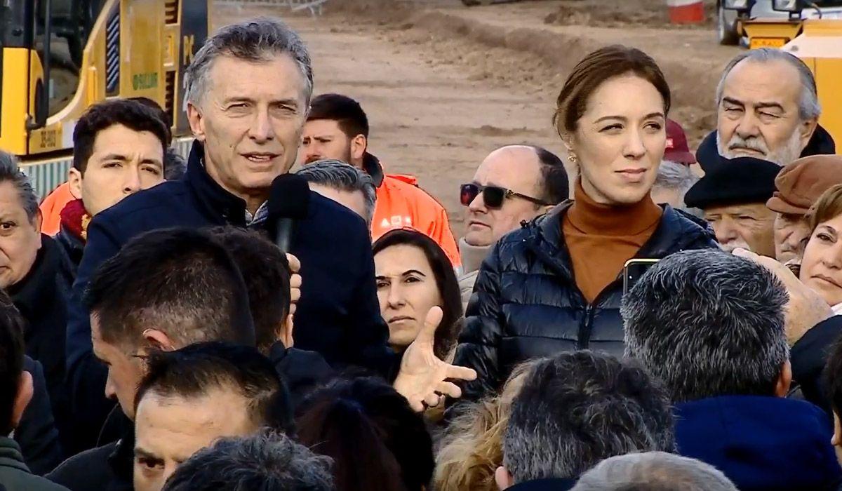 Orgulloso, Macri presentaba hace un mes las obras en la ruta 3: hoy fueron paralizadas