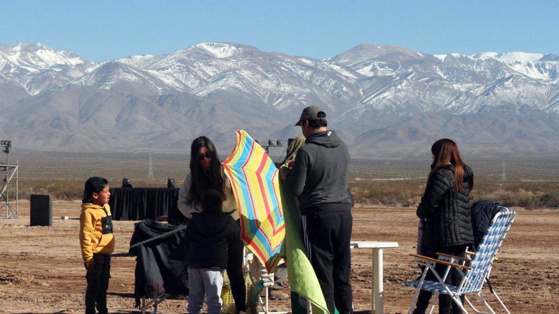 El día del eclipse, San Juan arrancó con un temblor y 3 grados bajo cero