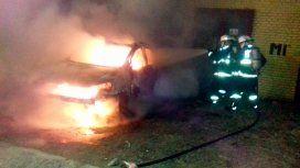 Apareció incendiado el auto de la cuñada de Di Zeo e investigan si fue una venganza barrabrava