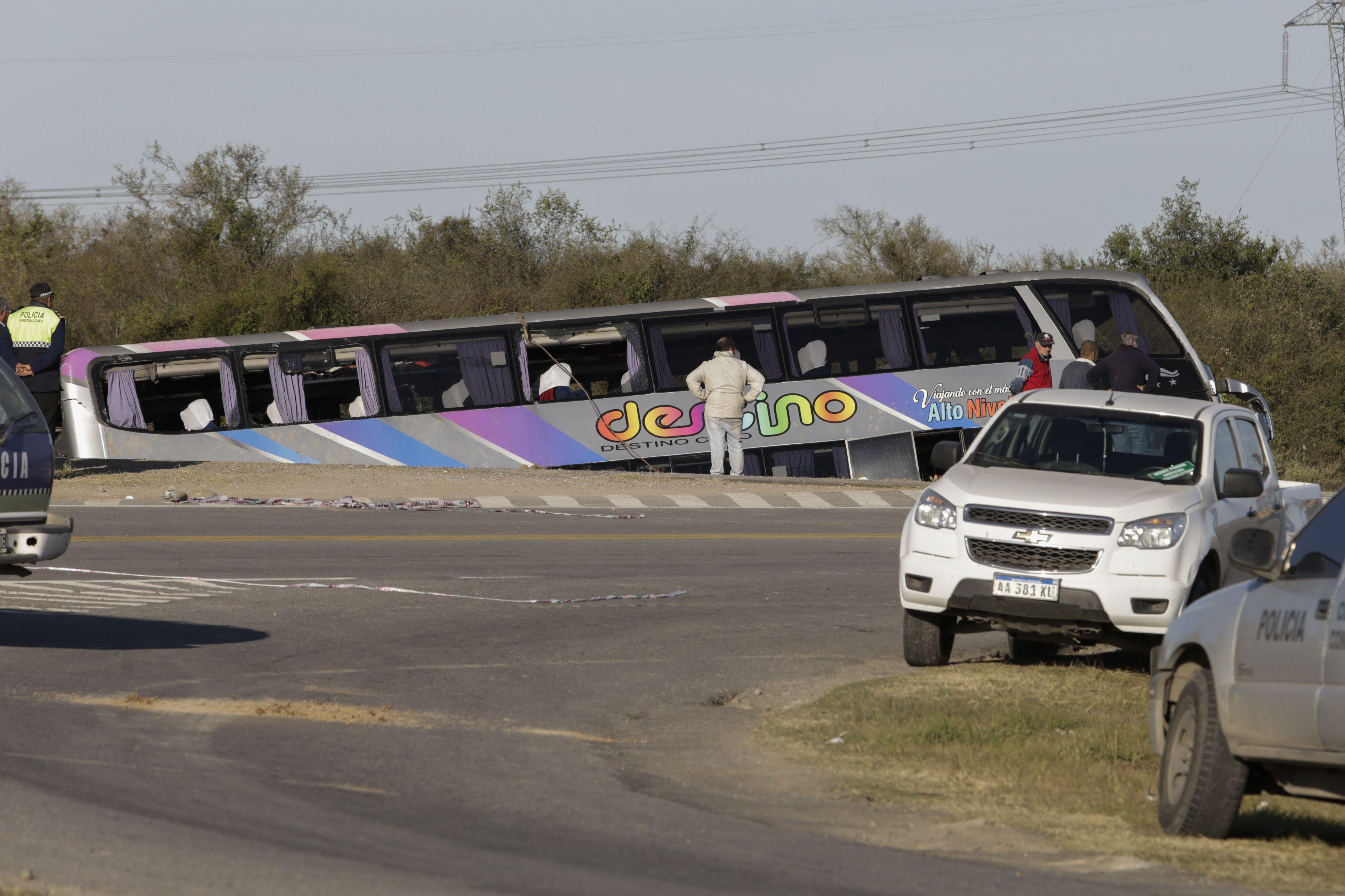 Imputarán al chofer del micro que volcó en Tucumán y podría quedar detenido