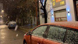 Nevó en la provincia de Buenos Aires: Tres Arroyos amaneció cubierta de blanco y podría repetirse en otras ciudades