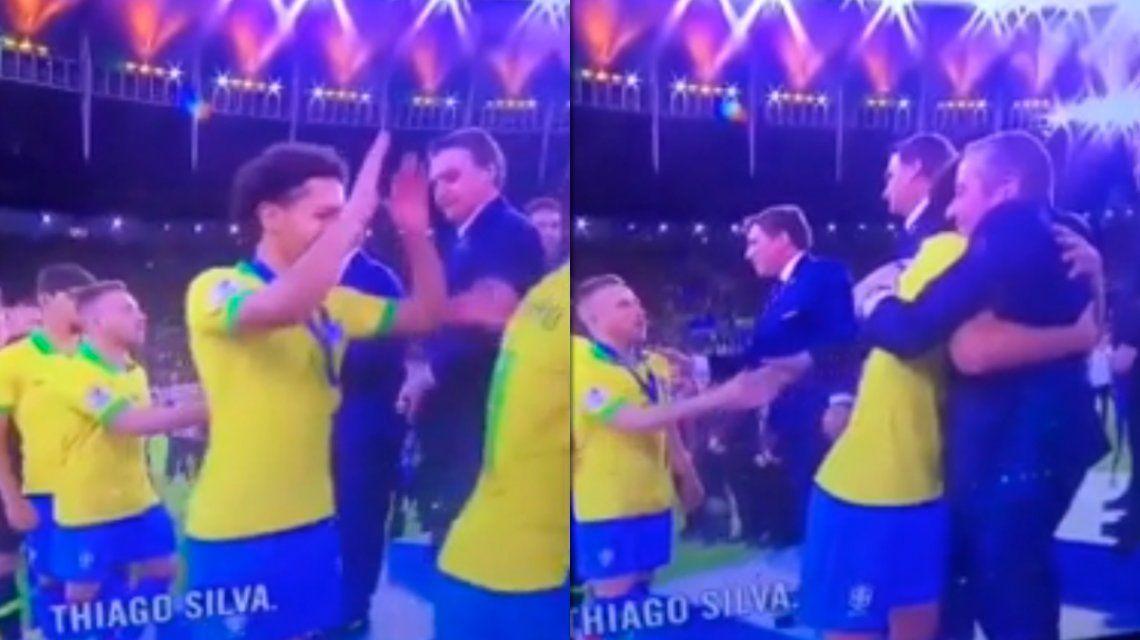Marquinhos dejó pagando a Bolsonaro durante la premiación de Brasil en la Copa América