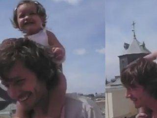 benjamin vicuna compartio un video jugando con blanca cuando era bebe