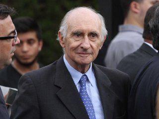 la corte suprema le concedio a de la rua su jubilacion como presidente