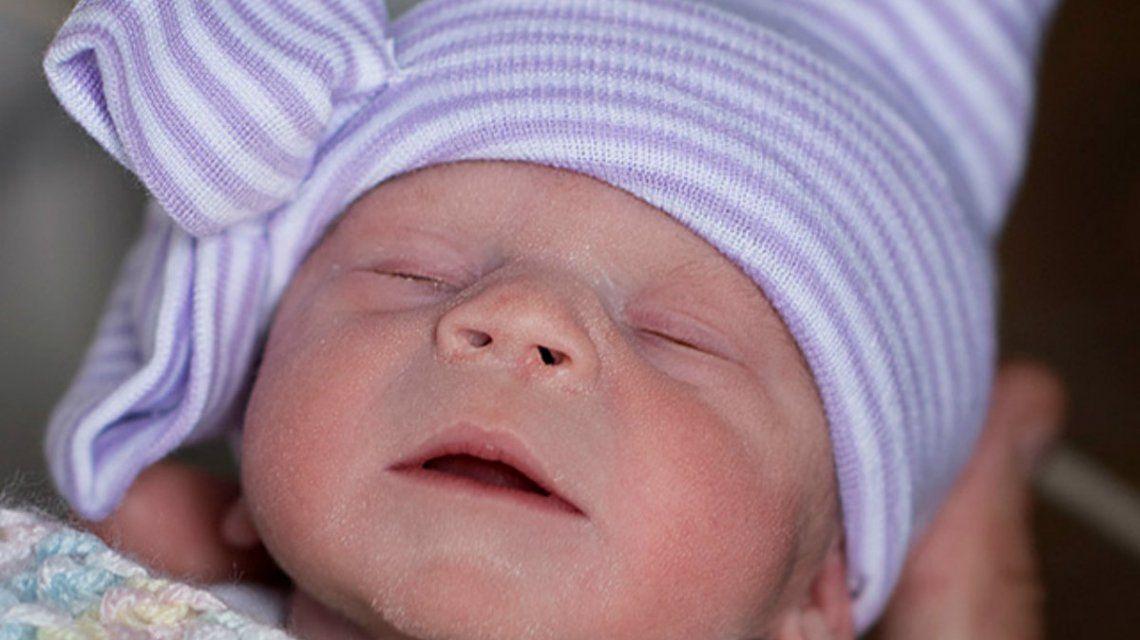 Le trasplantaron el útero de una donante cadavérica y logró ser mamá