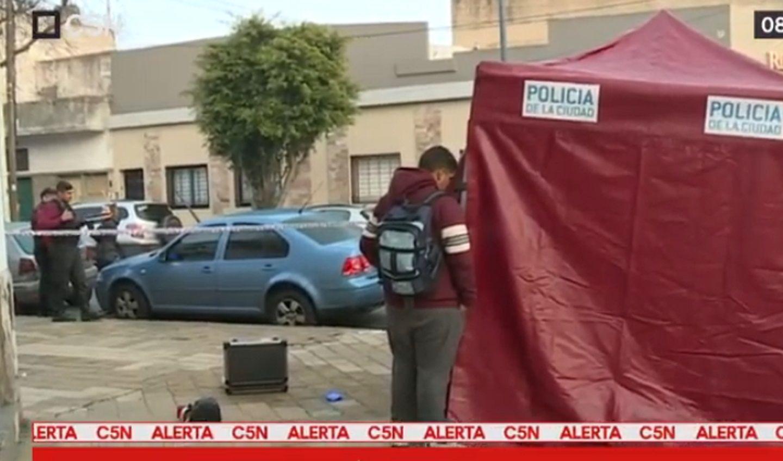 Hallaron el cadáver de una mujer en Villa Devoto