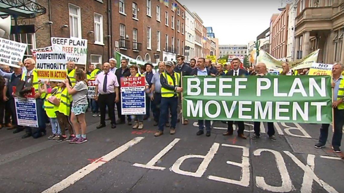 Miles de ganaderos irlandeses marcharon contra el acuerdo entre Unión Europea y Mercosur