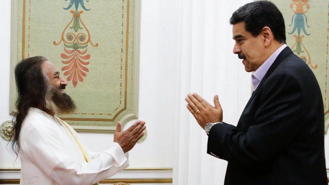 Sri Sri Ravi Shankar con Nicolás Maduro