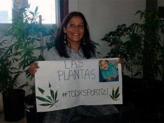 Después de un mes, le devolvieron las plantas de cannabis con las que hace aceite para su nieto