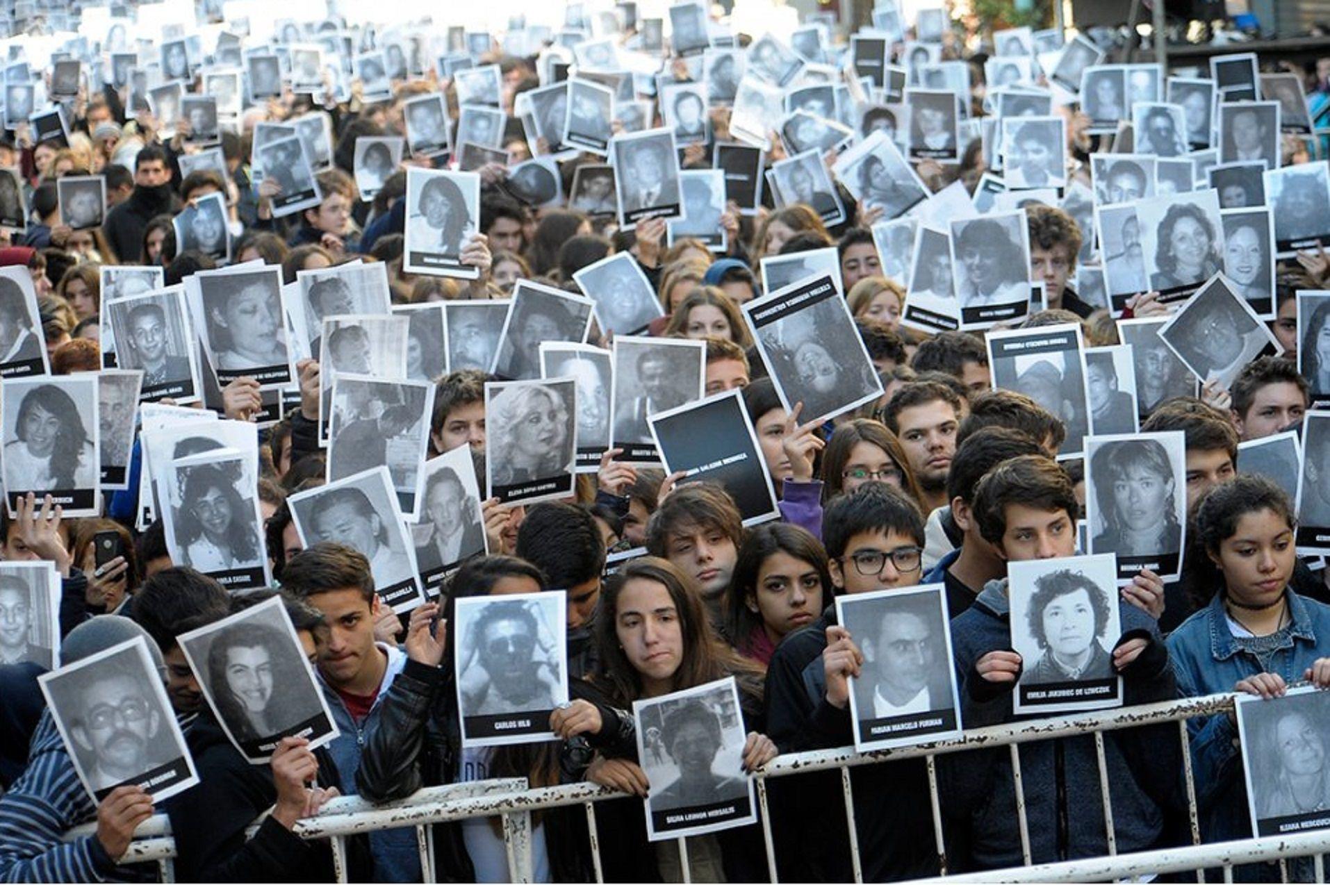 Decretaron duelo nacional por el 25 aniversario del atentado a la AMIA
