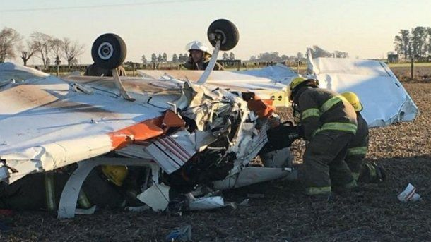 Cayó una avioneta en un campo en Santa Fe. Foto: rosario3.com