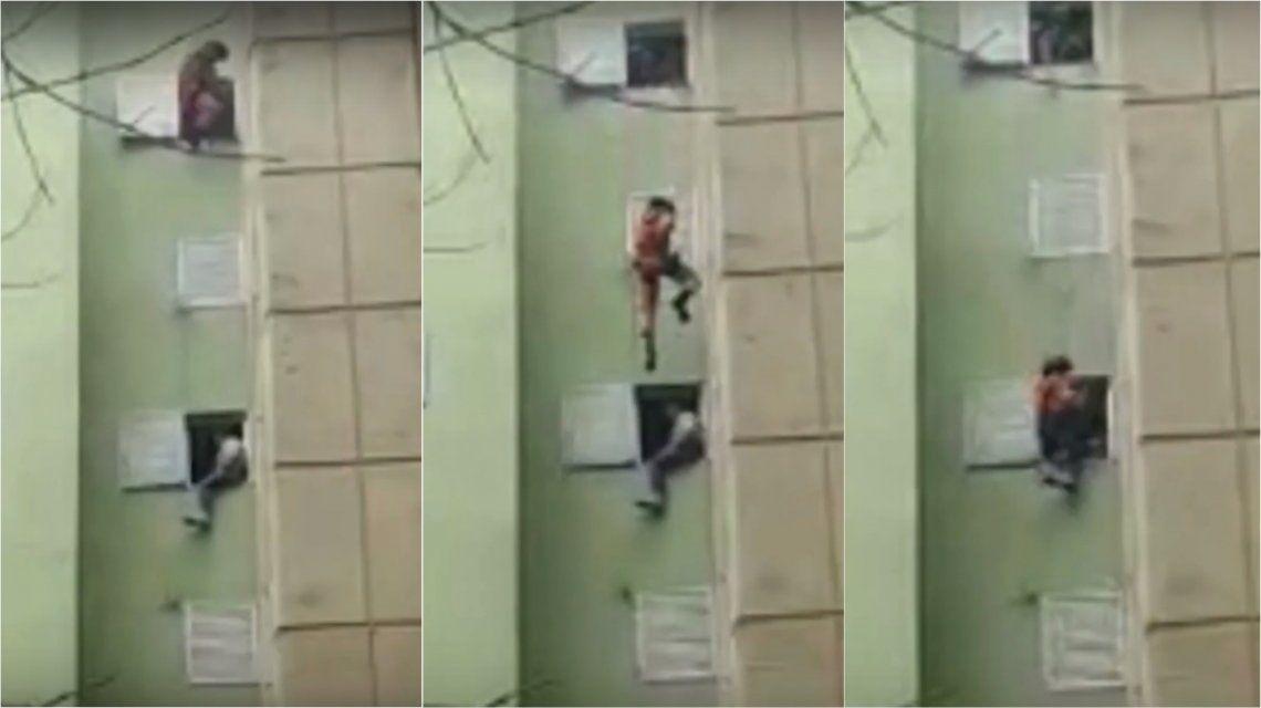 VIDEO: Bomberos rescataron a un hombre que intentó quitarse la vida en Villa Soldati