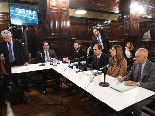 Los imputados en el juicio por la muerte de Débora Pérez Volpin