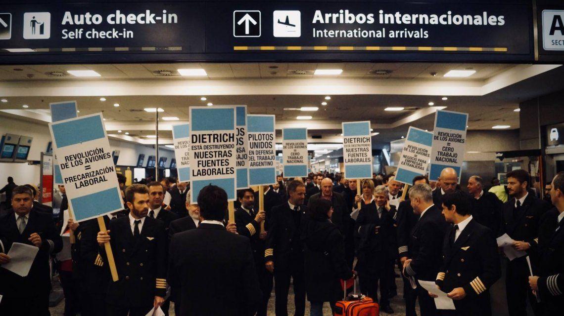 Paro de pilotos en Ezeiza y Aeroparque: convocan a gremios aeronaúticos para evitar la medida