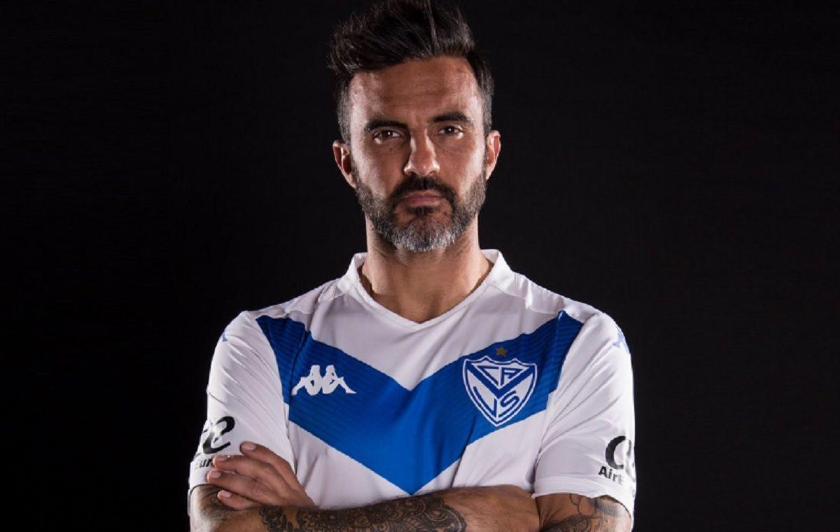 Cubero firmó ¿su último contrato? con Vélez
